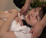 初めての整体マッサージ治療で、成長期の敏感な身体を必要以上に揉みしだかれ、思わずマ○コを濡らして感じてしまう女子○生たち11
